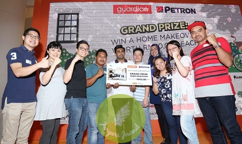 TEN grand prize winners of the Guardian's 'Win a Home Makeover' Contest were in seventh heaven upon receiving their prizes. Each winner took home a home makeover package worth RM50,000. From left: Johnny Tan, Wendy Tan, Chua Boon Chuan, Mohamad Kharul Anuar, Jeevarajah Ratnarajah, Pan Kee Ming, Norul Athirah, Melanie Elvyne, Linna Chin and Md Fairus Kamarudin.