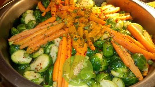 Baked Christmas Spice Of Baby Carrot, Brussel Sprouts & Pumpkin