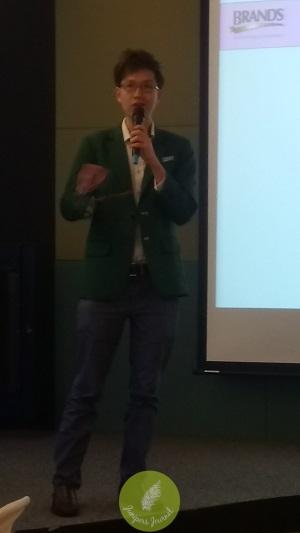 Dr Tan Zhen Wei, Senior Scientist BRAND'S Suntory International
