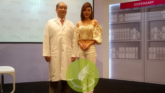 Dr. Ying-Chin Wum founder of Dr, Wu with actress Ms. Tong Bing Yu at the launch of Dr. Wu Glutalight Whitening System