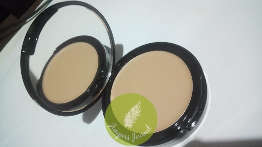 Averine Smoothing Compact Foundation SPF 15