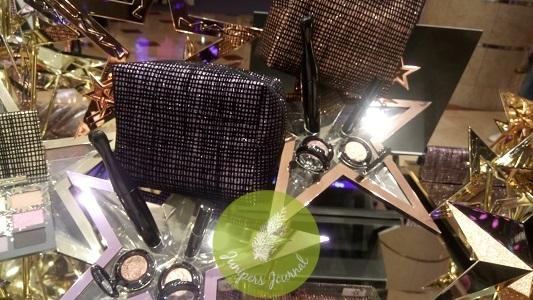 MAC Cosmetics Starry-Eyed Kit Top- Neutral, Bottom - Smoky
