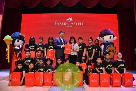 Handover Ceremony To Trinity Community Childrens Home Center L-R Mr Andrew Woon Managing Director of A.W. Faber Castell (M) Sdn Bhd Ms Wendy Hew Manager