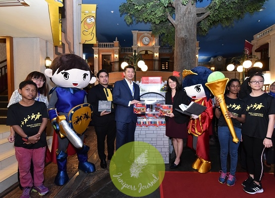 Launch of the Faber-Castell Back To School Castle Heroes Display (L-R) (Ms Wendy Hew, Manager of Trinity Community Children's Home), (Encik Shahrul Nizar Ahmad, Mayor of KidZania Kuala Lumpur), ( Mr Andrew Woon, Managing Director of A.W. Faber-Castell (M) Sdn Bhd), (Ms Ivy Leong, Marketing Manager of A.W. Faber-Castell (M) Sdn Bhd) along with children from Trinity Community Children's Home and the Faber-Castell Castle Heroes