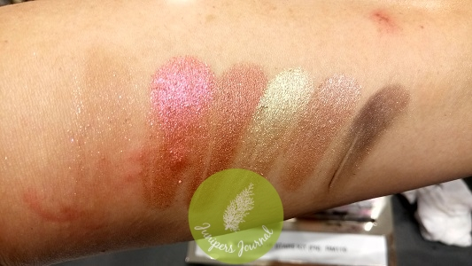 Star-Sighting Compact Neutral swatches