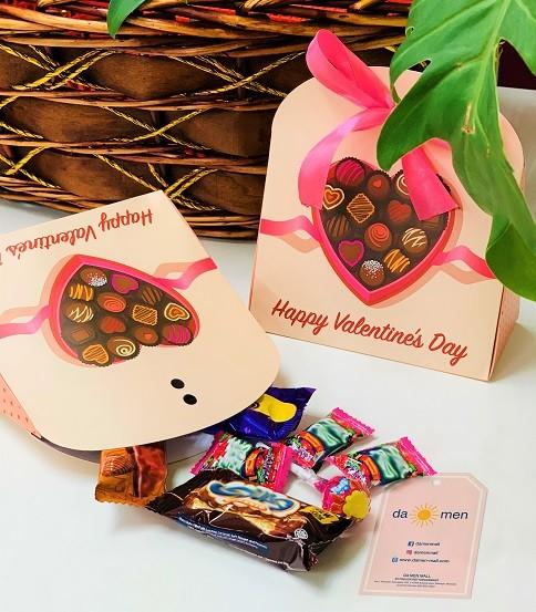 Like Da Men Mall Facebook page to receive a special Da Men Mall Valentine Gift