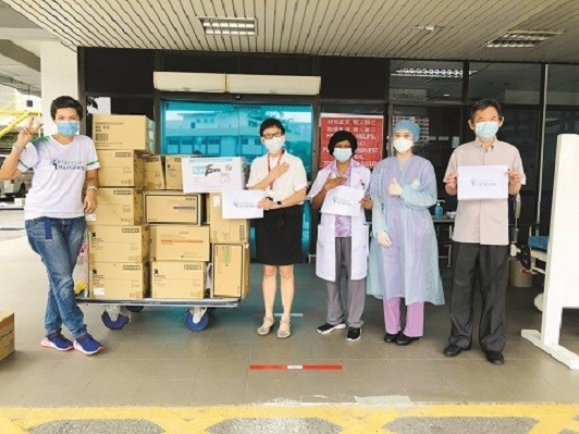 In support of the nation's brave healthcare workers, Yayasan Hartalega has contributed over 2.5 million pieces of gloves to various hospitals and clinics in Malaysia to date