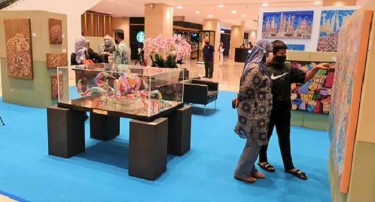 artjamila-exhibition-intermark-mall