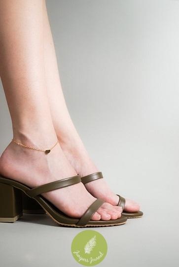 minimalist-lab-anklet-2