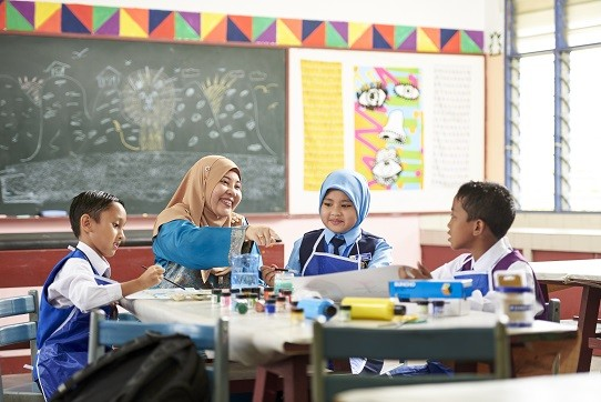 oxys-campaign-in-collaboration-with-pintar-foundation-and-watsons-will-sponsor-an-after-class-program-for-55-students-at-a-selected-national-primary-school-located-in-bangsar